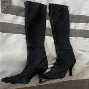 Stuart weitzman suede pull on to the knee boots